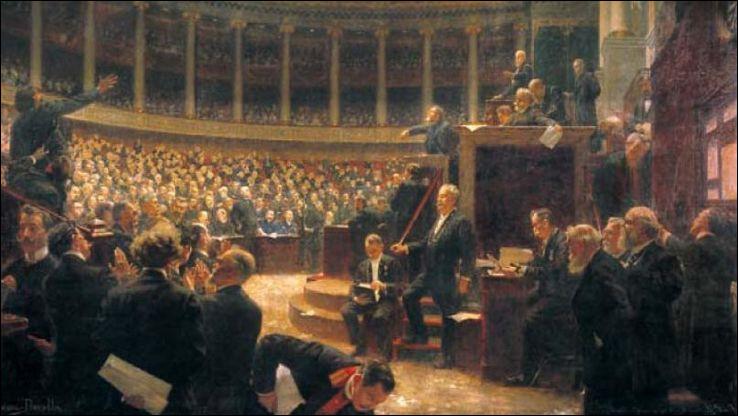 Le 31 juillet, le Parlement français vote une loi interdisant ...