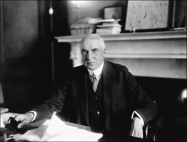 1920 est aussi une année d'élection présidentielle aux Etats-unis : qui est élu le 2 novembre 1920 ?