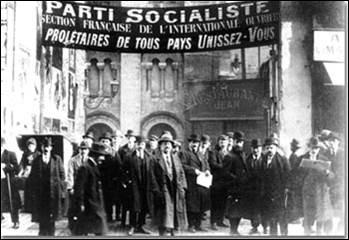 Evénement majeur dans l'histoire de la gauche française, le 18ᵉ congrès de la Section française de l'Internationale ouvrière (SFIO) se tient du 25 au 30 décembre 1920 : il débouche sur une scission et la création du parti Communiste. Sous quel nom ce congrès est-il connu ?