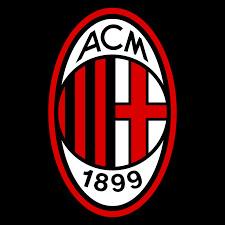 Je suis un joueur qui a joué à l'AC Milan, au Barça, au PSGet qui joue maintenant à l'AC Milan (je n'ai pas cité tous les clubs).