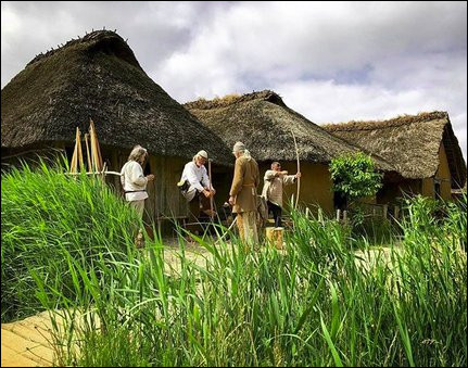 """Le Musée viking d'Haithabu est un village reconstitué autour de vestiges vikings et notamment ceux d'un navire. Dans quel """"pays"""", le plus septentrional d'Allemagne ?"""