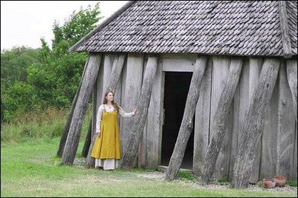 Les Jutes du Danemark auraient été les bâtisseurs, vers 980, de ce genre d'architecture : Européens avant l'heure, où ce peuple s'est-il aussi installé, puis assimilé ?