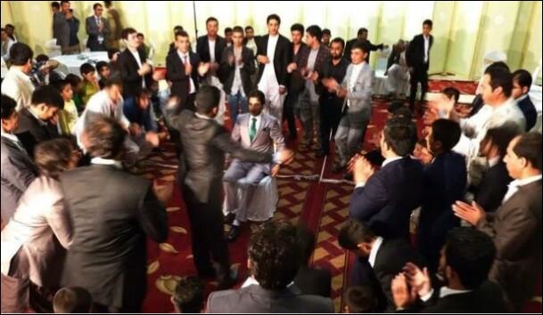 En Afghanistan, quelle loi a été votée pour limiter la frénésie des mariages ?