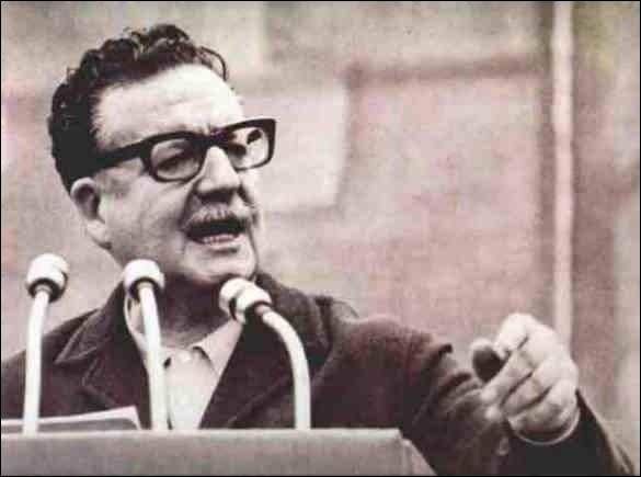 Le 3 novembre, Salvador Allende devient président de la République dans ce pays d'Amérique latine :