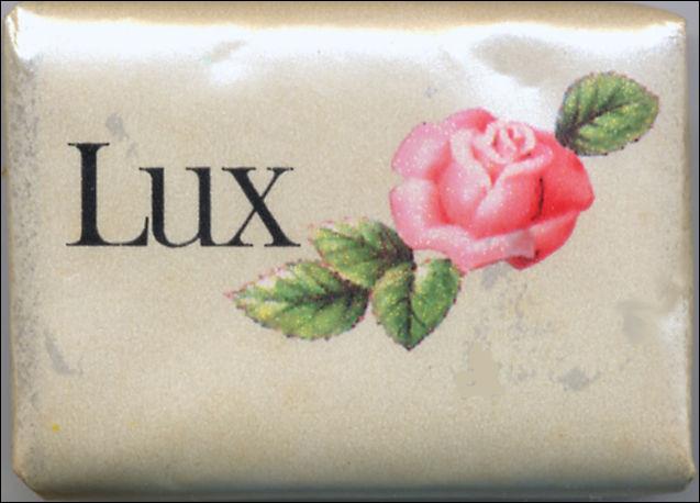 """Quant à ce savon célèbre pour lequel de très nombreuses stars ont fait la publicité, puisque son slogan était """"Lux, le savon des stars !"""", en quelle année est-il arrivé en France ?"""