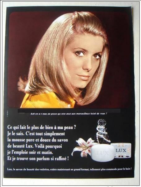 Dans quelle comédie musicale, cette célèbre actrice, partageait-elle l'affiche avec Françoise Dorléac ?