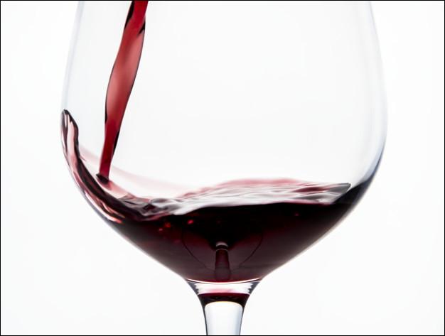 Une bouteille de Romanée-Conti Grand Cru peut coûter jusqu'à plus de 100 000 euros.De quel type de vin s'agit-il ?