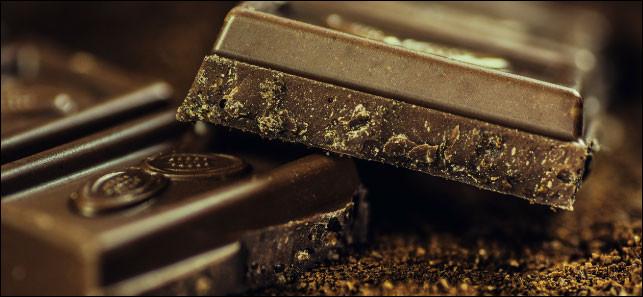 En 2018, un artisan chocolatier portugais a vendu un chocolat en forme de diamant et enrobé de poudre d'or comestible au prix de 7700 euros.Mais savez-vous quel pays est le plus grand producteur de cacao au monde?