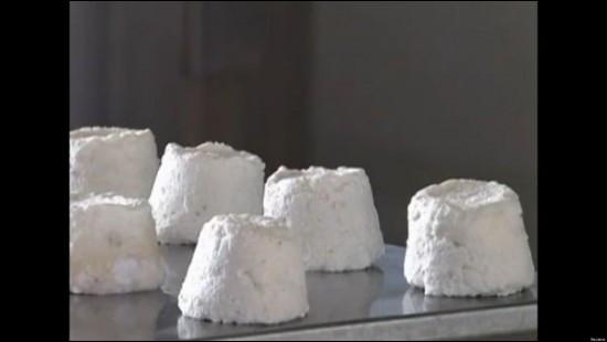 """Le """"Pule"""" est le fromage le plus cher au monde : 1000 euros le kilo! Dans quel pays est-il fabriqué ?"""