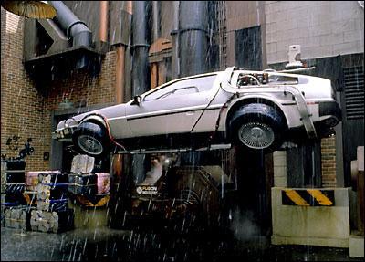 Qu'est-ce qui évolue dans le 2 par rapport au 1 chez la DeLorean?