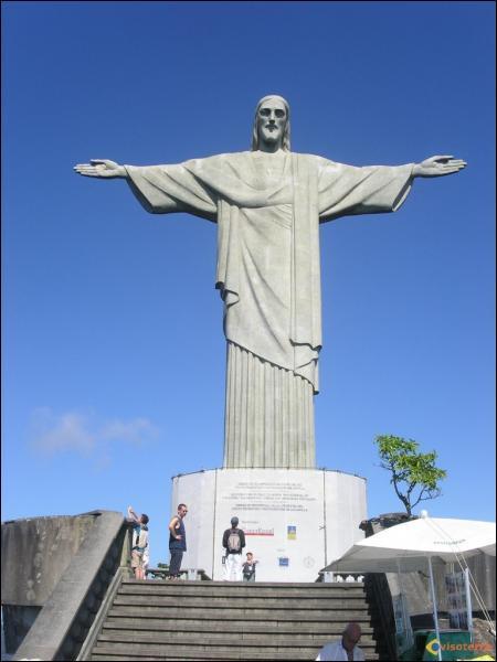 Où se trouve le Christ rédempteur de Rio de Janeiro ?