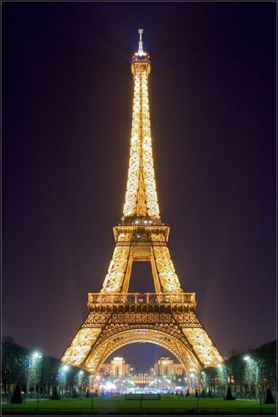 Combien mesurait la Tour Eiffel à l'origine ?