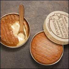 Savez-vous comment se nomme cet original fromage qui se mange à la cuillère ?
