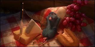"""Dans le film """"Ratatouille"""", quel fruit croqué avec du fromage fait exploser les papilles du rat Rémy ?"""
