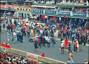 """Le film """"Le Mans"""", a été tourné pour l'essentiel durant les 24 Heures du Mans 1970 : quel acteur, passionné de course automobile, tient le rôle principal ?"""