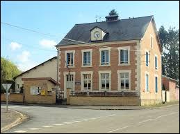 Nous terminons notre balade dans les Ardennes, à Sainte-Vaubourg. petit village de 86 habitants, il se situe en région ...