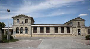 Petit tour en Nouvelle-Aquitaine à Cénac. Commune de l'Entre-deux-Mers, elle se situe dans le département ...