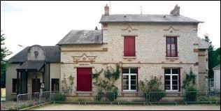Nous sommes en Île-de-France, à Saint-Cyr-la-Rivière. Commune francilienne, dans la Grande Couronne parisienne, elle se situe dans le département numéro ...