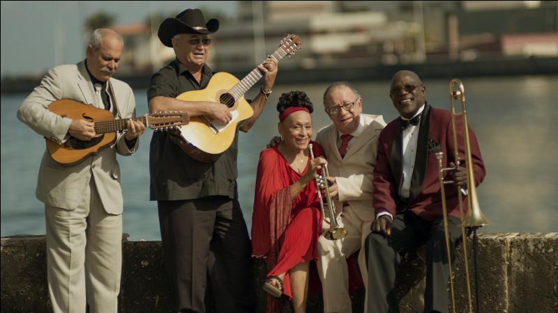 Dans quel film de Wim Wenders peut-on voir les musiciens superpapis de La Havane ?