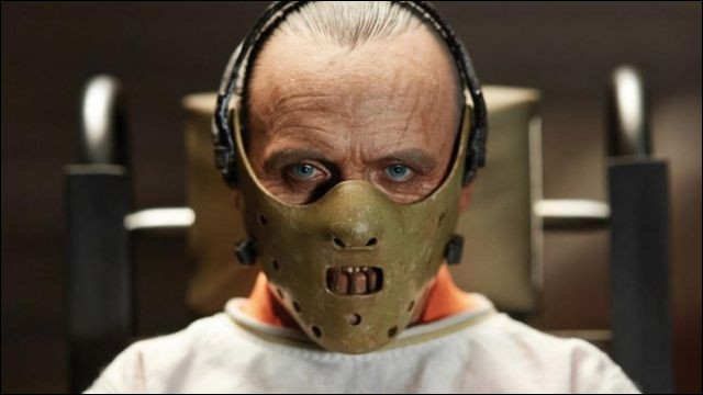 Quelle profession exerçait Hannibal Lecter avant de devenir un psychopathe, dans la série de romans de Thomas Harris ?