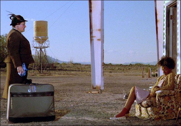Quel est ce film, sorti en 1987, racontant la vie d'une ville fantôme dans le désert de Mojave et l'arrivée d'une touriste allemande égarée ?