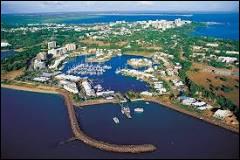 Laquelle de ces villes australiennes ne se trouve pas au sud de l'île ?