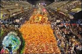 Dans quel pays se fête le plus grand carnaval du monde ?