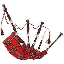 Comment s'appelle cet instrument dont on joue beaucoup en Écosse ?