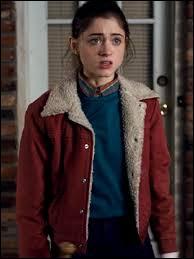 Que donne Nancy à Jonathan, à la fin de la saison 1 ?