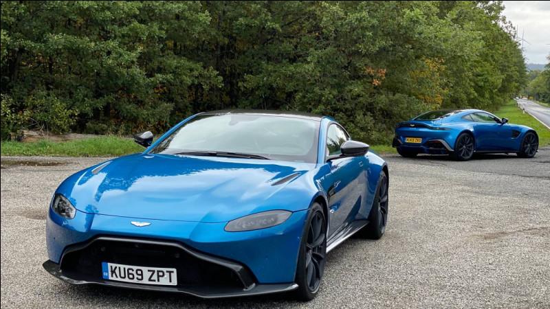 Quelle est cette marque de voiture anglaise qui permet à James Bond de passer à l'électrique ?