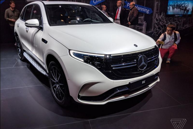 Ce nouveau modèle électrique est la synthèse de 134 années de luxe automobile pour cette marque. Quel est son nom ?