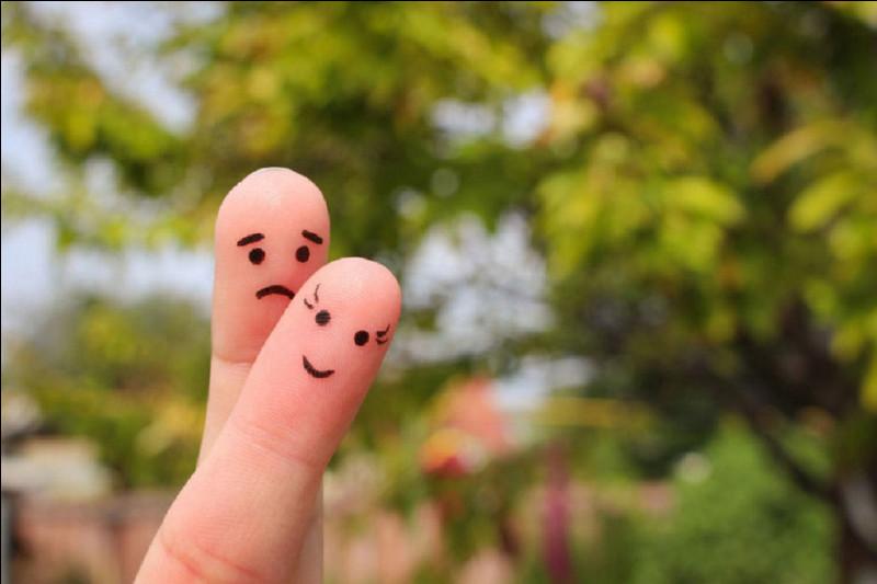 """Complétez le proverbe : """"Malheureux en amour, ... ''"""