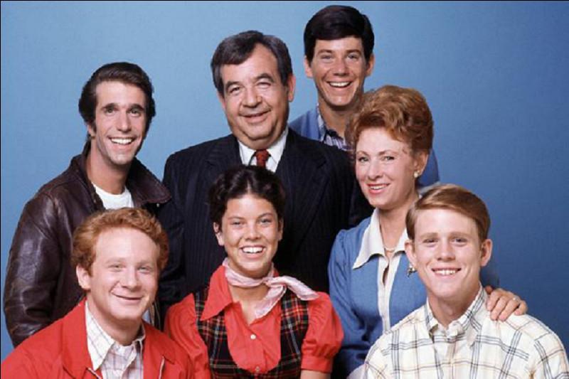 Dans la série américaine ''Les Jours heureux'' (Happy Days) , qui jouait le rôle de Richard Cunningham ?