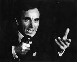 Extrait de ''La Bohème'' de Charles Aznavour : ''Je vous parle d'un tempsQue les moins de vingt ansNe peuvent pas connaîtreMontmartre en ce temps-làAccrochait ses lilasJusque sous nos fenêtres''Quelle place se trouve à Montmartre ?