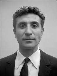 Gilbert Bécaud a écrit ''Quand il est mort le poète'' pour son ami Jean Cocteau qui réalisa ''La Belle et la Bête'' et d'autres films. Avec qui l'écrivain cinéaste eut-il une liaison amoureuse ?