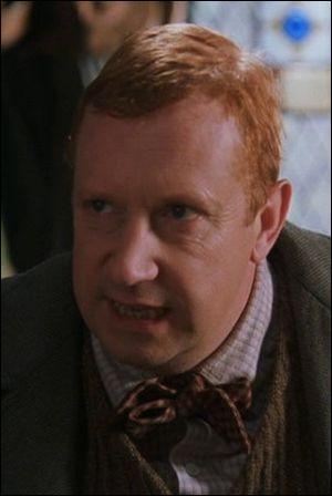 Quelle est la première question que pose Arthur Weasley à Harry au terrier ?