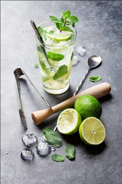 """Qu'ajoute-t-on au rhum blanc pour la réalisation du cocktail nommé """"mojito"""" ?"""