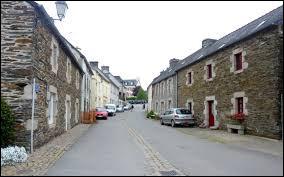 Petit tour en Bretagne, à Saint-Thois. Commune de l'arrondissement de Châteaulin, sur la rive gauche de l'Aulne, elle se situe dans le département ...