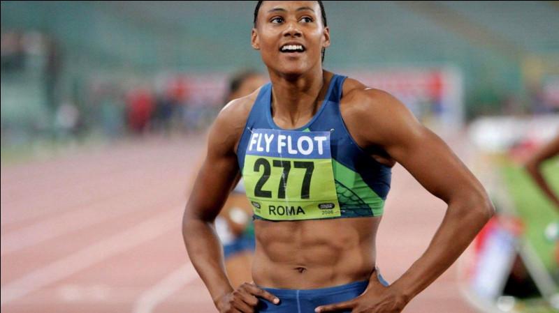Quelle athlète est sacrée championne du monde du 100 m à Séville en 1999 ?