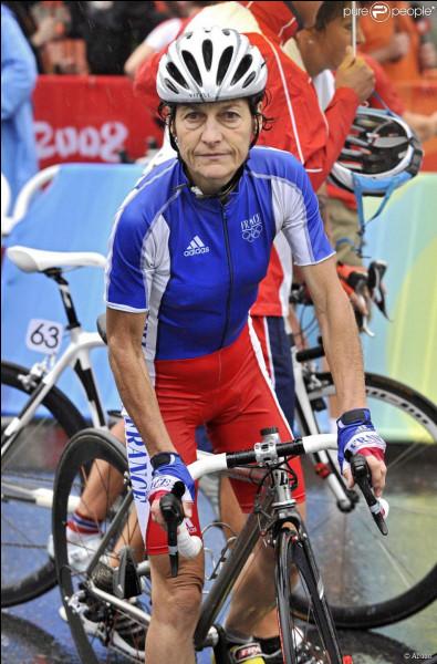 Quelle cycliste française a battu 38 records du monde au cours de sa carrière ?