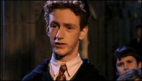 """Quels mots remplacent """"Préfet-en-Chef"""" sur l'insigne de Percy ?"""