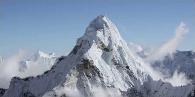 Combien de pays traversent la chaîne de montagne de l'Himalaya ?