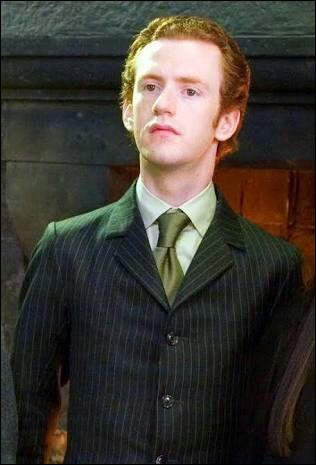 Sur quoi travaille Percy ?