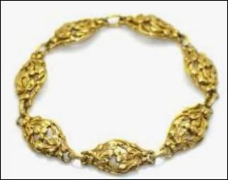 Quant aux bijoux en or, depuis quand environ existent-ils ?