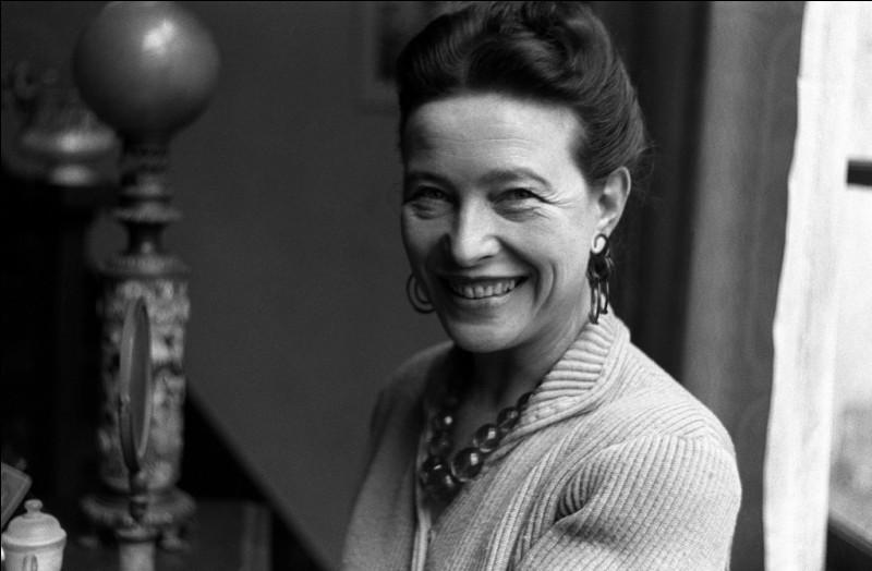 """Elle a écrit """"Le Deuxième Sexe"""" en 1949 et reçu le prix Goncourt pour """"Les Mandarins"""" en 1954 : c'est ..."""