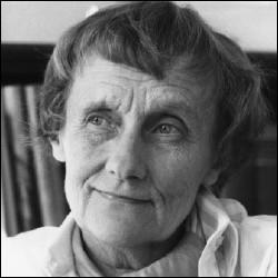 """Cette romancière suédoise, auteur d'ouvrages pour enfants et scénariste, est connue à travers le monde pour avoir créé le personnage """"Fifi Brindacier"""", c'est ..."""