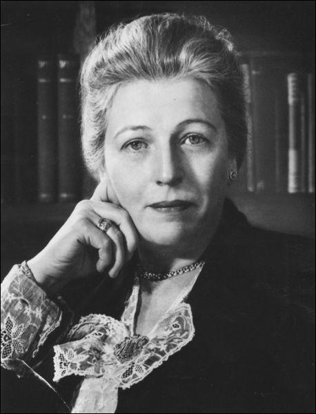 """Cette américaine a écrit, en 1930, """"East Wind, West Wind"""" (Vent d'Est, Vent d'Ouest), et reçu en 1938 le prix nobel de littérature. C'est ..."""