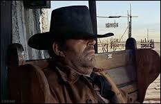 """Quel son répétitif entend-on dans la très longue scène d'ouverture (sans dialogue) du film """"Il était une fois dans l'Ouest"""" (1968) ?"""