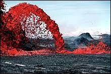 La viscosité de la lave permet d'expliquer les différences entre volcans de type effusif et de type explosif.Plus la lave est riche en silice, plus elle sera...