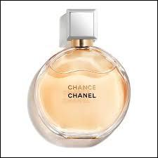 """""""L'Air du temps"""" est un parfum féminin de Chanel."""